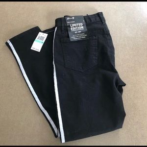 NWT Seven7 7FAM Limited Edition Premium Jeans